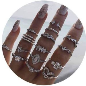 15 VINTAGE BOHO STYLE CRYSTAL STACKABLE MIDI RINGS